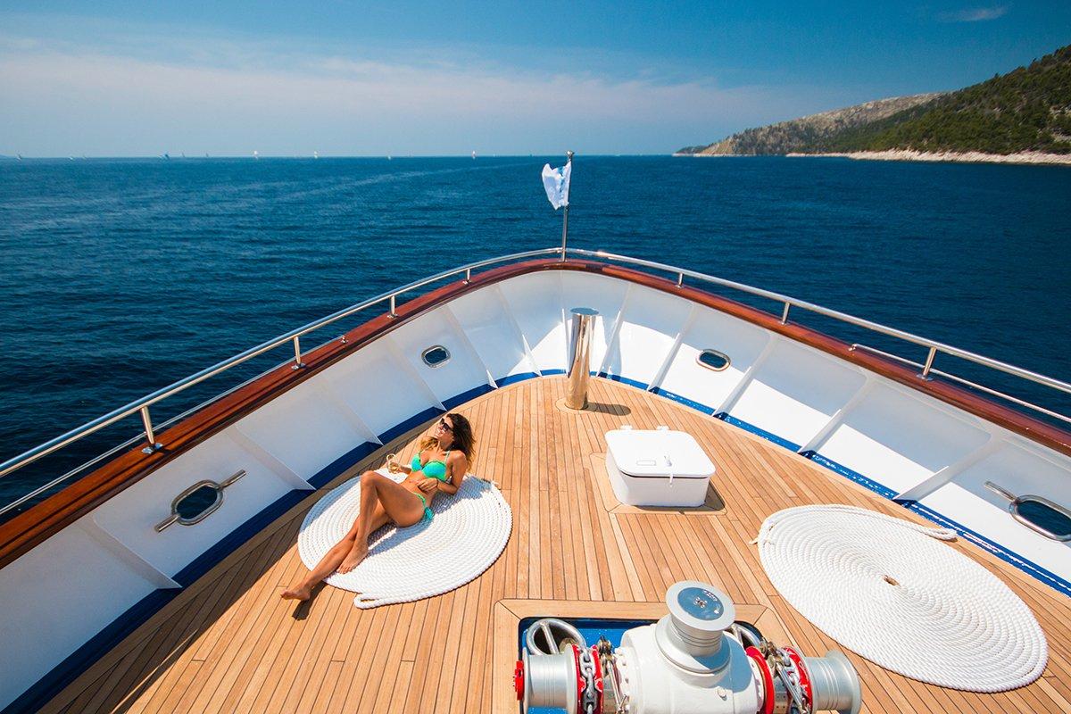 Intimate Cruise Pic