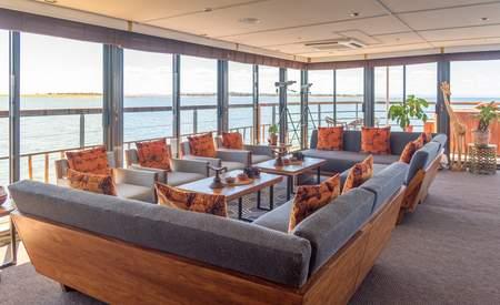 CroisiEurope-MS-African-Dream-Lounge-Bar-5