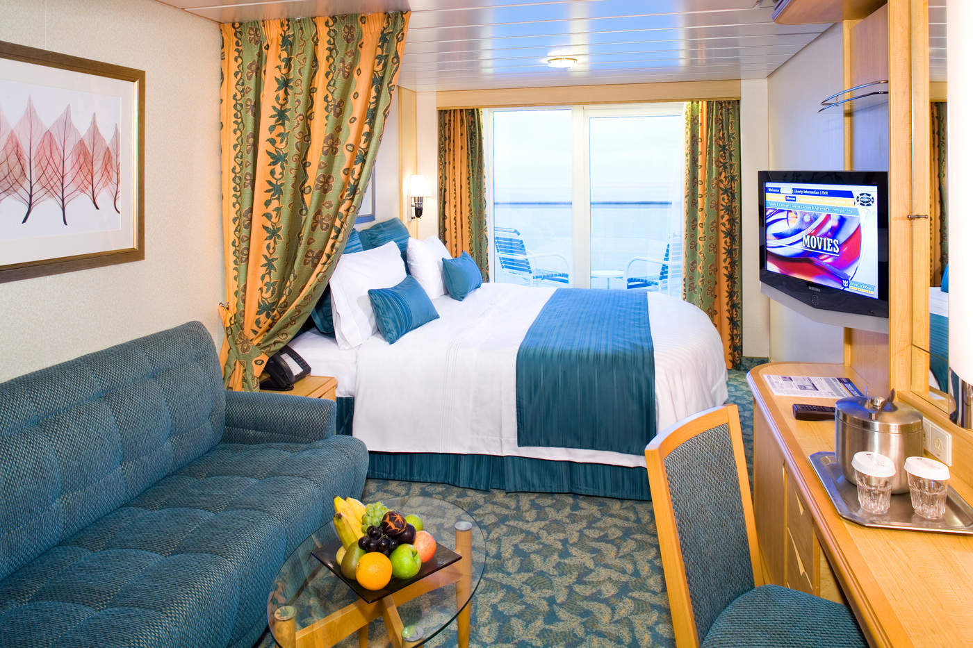 Deluxe Ocean View Stateroom with Balcony Cat. E1