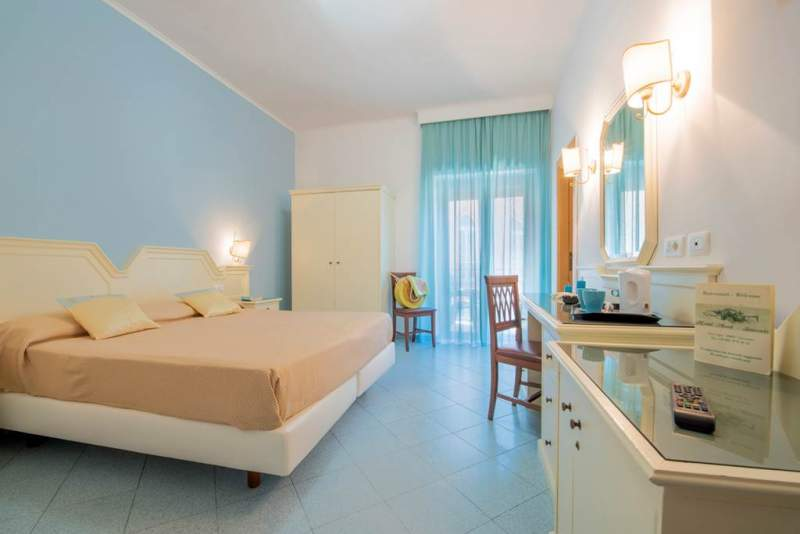 NAP_73194_Hotel_ascot_0818_02