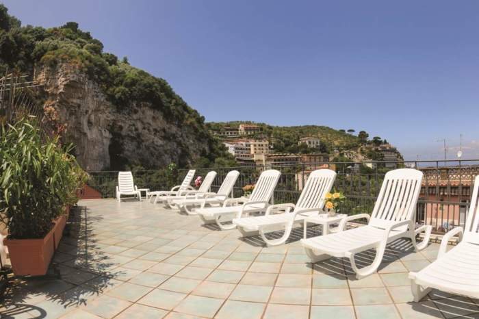 3* Sorrento Holiday – Hotel Ascot