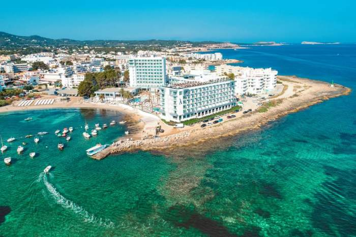4* Adults Only Luxe in Ibiza